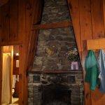 Photo de Carey's Lakeside Cottages