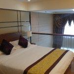 eStay Residence - Poly Central Pivot Photo