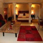 Hezen Cave Hotel Photo