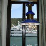 vue de la chambre sur le port (quai sud=