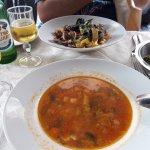 Овощной суп и вкуснейшая паста с морскими гадами)