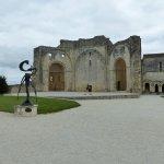 Abbaye de Trizay Centre d'Art & d'Histoire