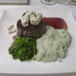 Fillet mignon with crabmeat