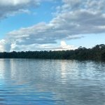 el atardecer en lago sandoval