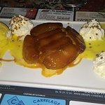 Tarte tatin, poire de boeuf avec sauce aux champignons, nature, choucroute et tartine munster po