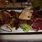 Dans cette assiette tout était bon,sauf le foie gras trop mou .