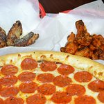 Foto de Mama's Pizza W Berry St