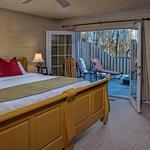MacLeod Cottage bedroom