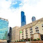 Holiday Inn & Suites Chicago Downtown near Willis Tower