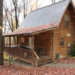 Log cabin located in Hocking Hills Ohio