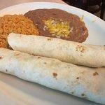 Tacos al carbon w/ steak, rice & beans