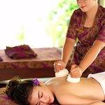 Savitri Herbal Pouch Massage