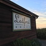 Foto de Ledford House