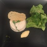 Belles présentations, des plats délicieux, un cadre agréable et des propriétaires discrets. La r