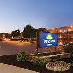Days Inn by Wyndham London Picture