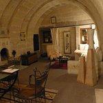 Der obere Wohnraum mit offenem Kamin