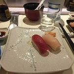 Nigiri are common sushi that roll at the band <3