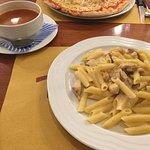 مطعم ايطالي مستواه لايتجاوز المتوسط اذا لم يكن اقل من ذلك لاتوجد نكهات او تميز اطباق ايطالية مكر