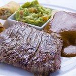 Uno de nuestros platillos más degustados es el Filete a la Tampiqueña
