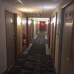 Couloir accès aux Chambres