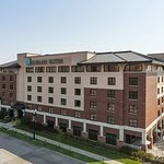 Photo de Embassy Suites by Hilton Omaha - Downtown/Old Market