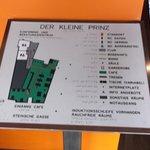 Ein auf die Räumlichkeit bezogene- Infotafel.