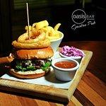 Burgers ar Oasis Bar