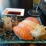 Zen Sushi & Tea Foto