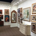 With 9 corridors of art, there are styles and subjects for everyone.