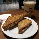 صورة فوتوغرافية لـ Gloria Jean's Coffee  Dubai Mall