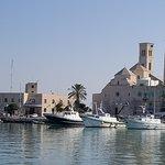 Вид собора из гавани