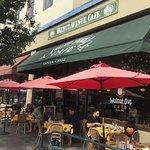 Foto de Walnut Avenue Cafe