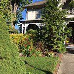 We loved our stay at the Rocking Horse Inn! It's a beautiful house, the gorgeous plants and the