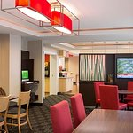 ‪TownePlace Suites Pittsburgh Cranberry Township‬