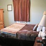 Rugged Country Lodge Photo