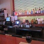 Full bar for drinks