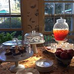 Complimentary afternoon cookies, cake, iced tea and apples