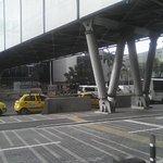 servicio taxis bajo puentes