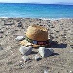 пляж при отеле/зона лежаков