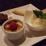 Nothing like a dessert sampler to end the dinner!!