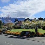 Tourist-attracting garden