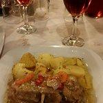 Lamm mit Zitonen Oreganosoße und Ofenkartoffeln. LECKER