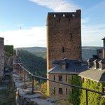Burg vom Wehrgang aus gesehen