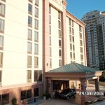 Holiday Inn Express & Suites Atlanta N-Perimeter Mall Area Photo