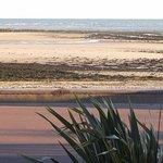 vue de la chambre : mer à marée basse