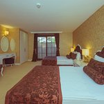 Han Deluxe Hotel Photo