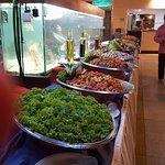 dos filas completas . de la comida que elija desde carnes. pescados. ensaladas.pastas. sopa. etc