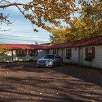 Photo de Whistling Swan Motel