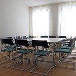 """Für Besprechungen und Tagungen in kleiner Runde ist unser Tagungsraum """"Hopfen"""" der richtige Ort."""