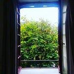 coté terrasse avec vu sur le porche